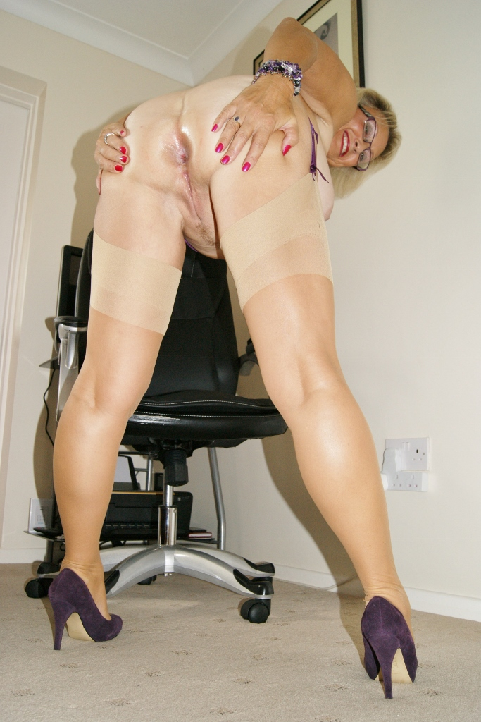 Denise davies busty british babe anal - 2 part 4