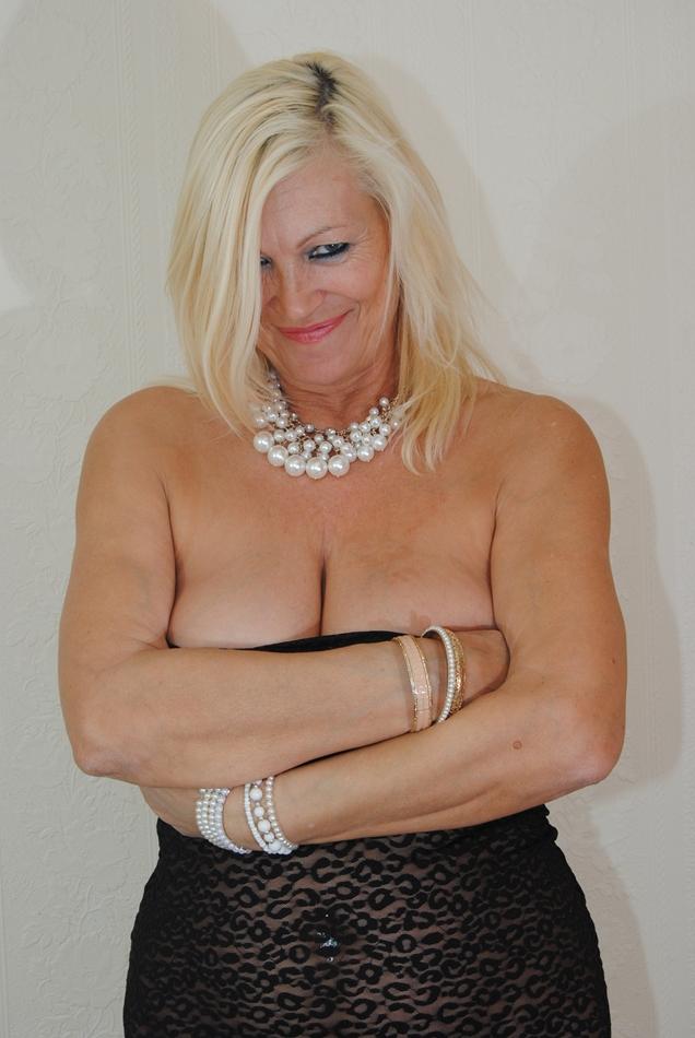 naughty milf strip tits