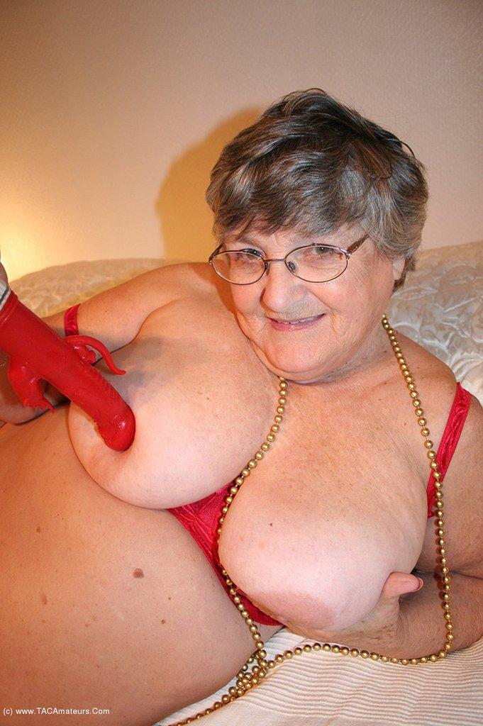 granny in bra fucking